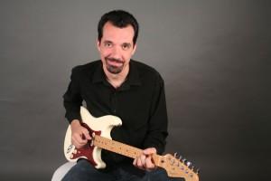 """O músico Roberto 'Terremoto"""", mentor do CD """"Máfia da Mortadela"""""""