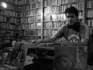 DJ MBgroove. Foto: Divulgação