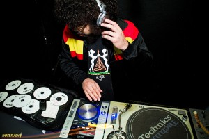 DJ Tide. Foto: Marcelo Paixão (I Hate Flash)