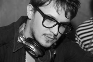 DJ Click, residente da festa Shh! Club Silêncio no Sonique. Crédito: Andres Costa