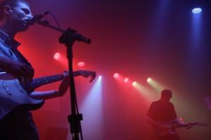 """Conhecido por tocar um subgênero do rock alternativo chamado shoegaze, o trio não desapontou a galera ao tocar as conhecidas (pelos fãs) """"It's Personal"""",  """"Pet Grief"""", """"1995"""" e """"Where Damage Isn't Already Done""""."""