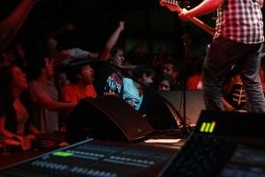 Fãs do Bob Mould durante o show. Foto: Marcela Lima
