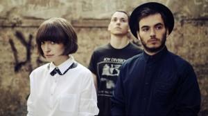 A banda Daughter: Elena, Remi e Igor