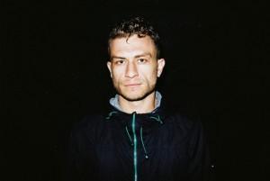 O músico e performer australiano Dub FX, que se apresenta no festival
