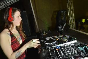 Vocalista da Copacabana Club discoteca na The Jam