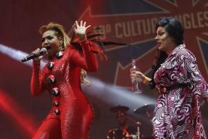 A versão drag queen de Amy Winehouse durante show de Gabi Amarantos. Foto: Nelson Antoine/Palco Alternativo