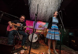 The Catenary Wires. Foto: PSquared Photography