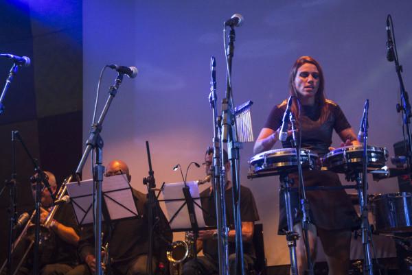 A percussionista Michelle Abu.