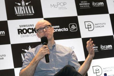 Jacob McMurray, o curador da mostra que ficou exposta primeiramente em Seattle/EUA (Divulgação)