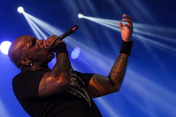 Derrick Green: o único metal presente era justamente o de casa